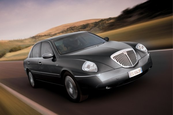 lancia thesis 2.4 benzyna opinie